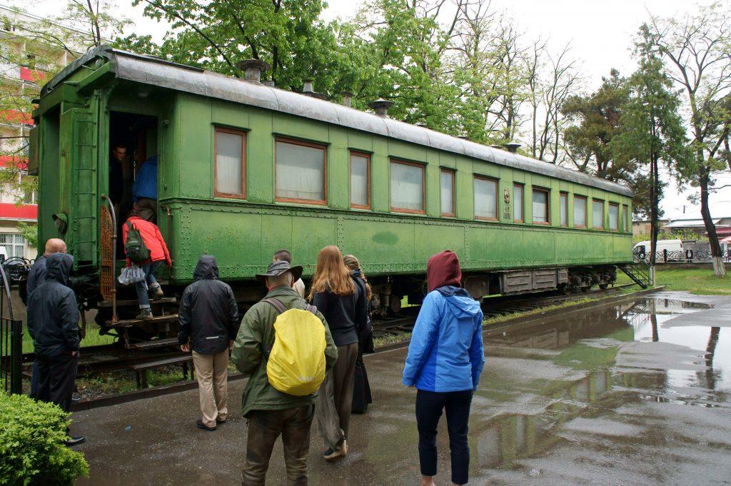 Stalins sovvagn står öppen för turister i hans födelsestad Gori. (foto: Torgny Hinnemo)