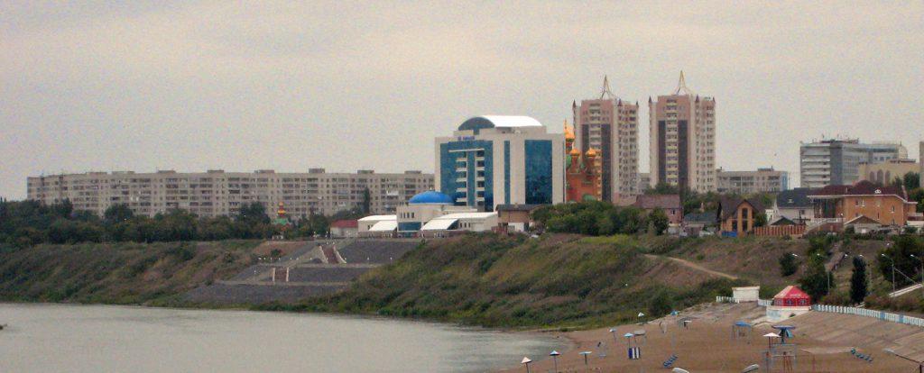 ... medan städerna i norr präglas av rysk arkitektur inklusive de ortodoxa kyrkobyggnaderna. (foto: Torgny Hinnemo)